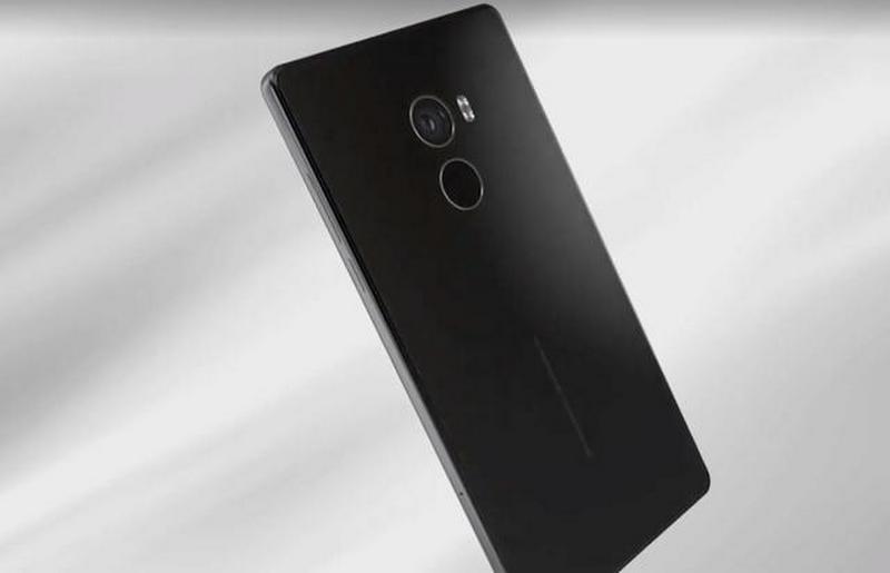 Черный смартфон Xiaomi