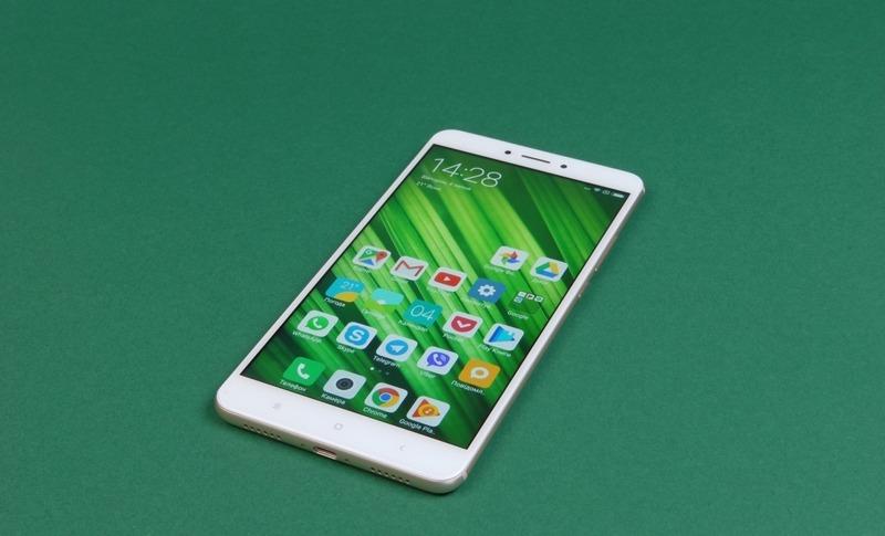 Xiaomi Mi Max 3 яркий дисплей