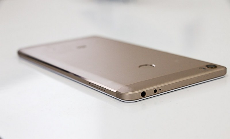 Xiaomi Mi Max собран хорошо