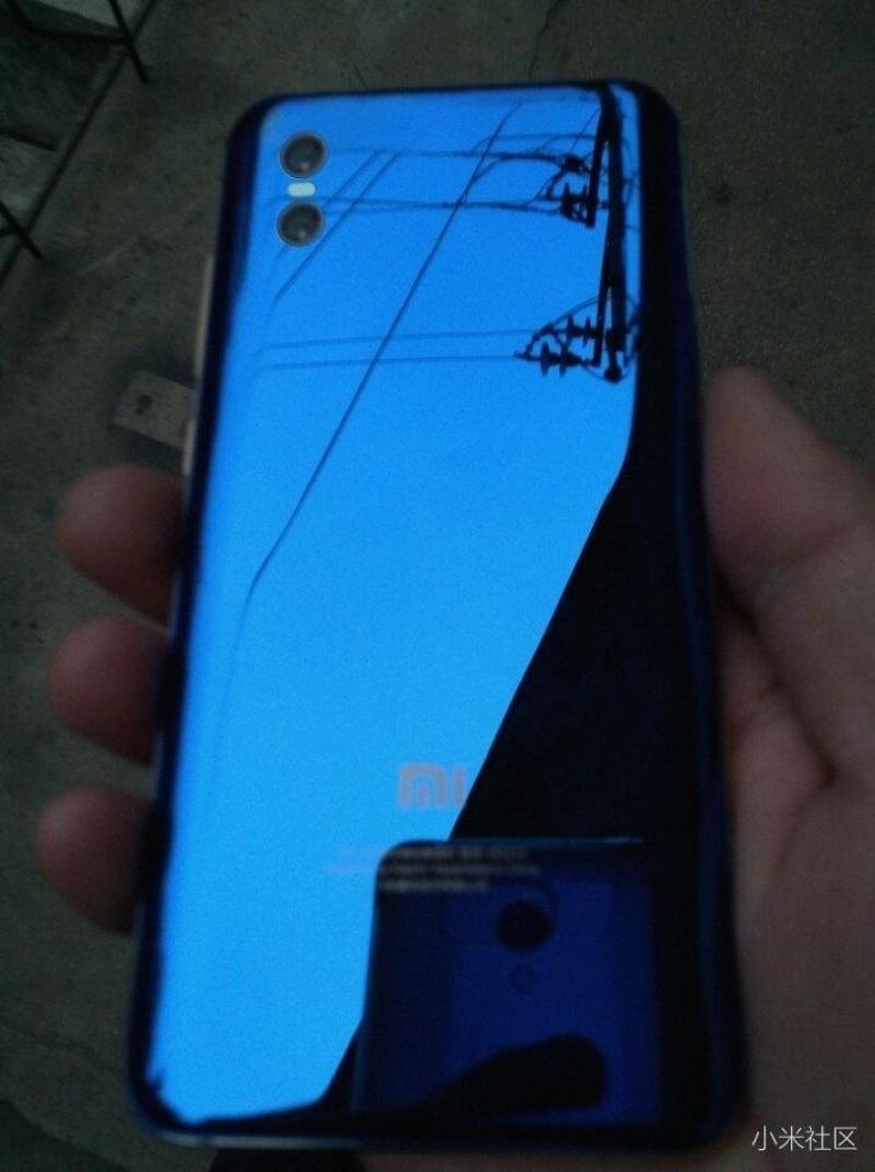 Xiaomi Mi 7 синий фото