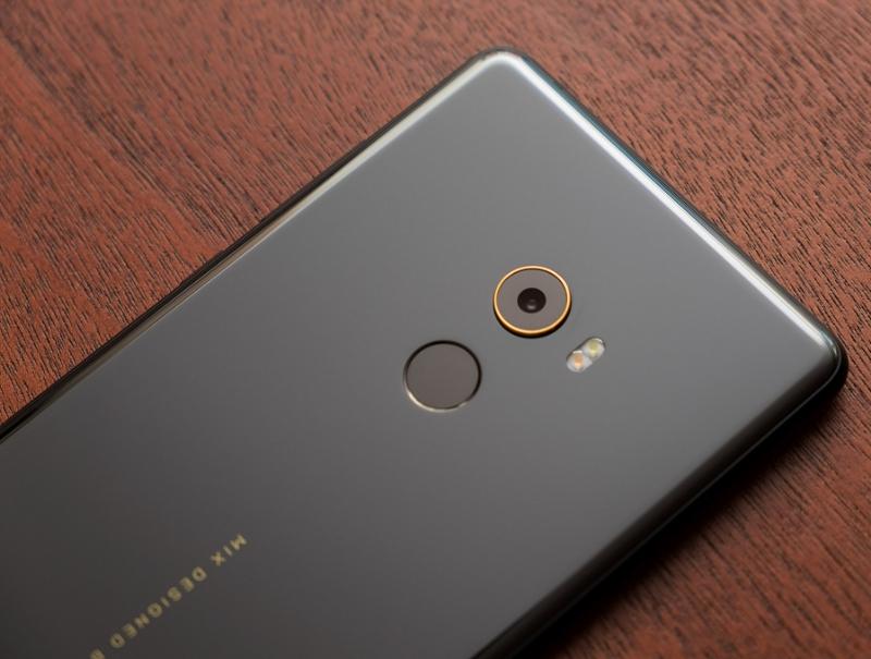 Xiaomi Mi Mix 2 сзади